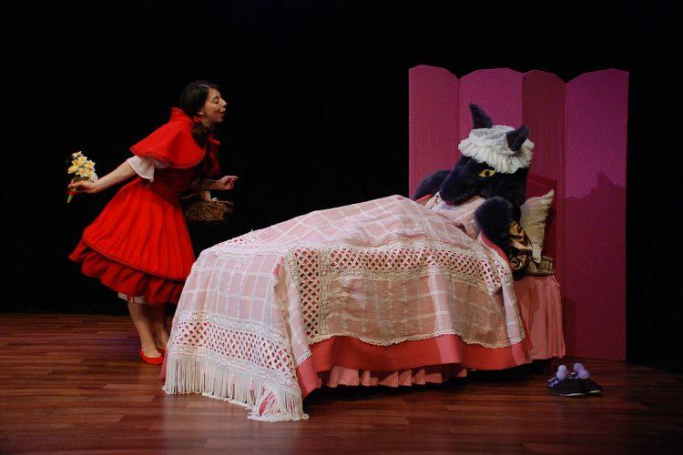 Le Petit Chaperon Rouge - Théâtrales de Collonges-la-Rouge